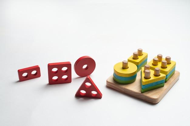 子供のためのカラフルな発達中のおもちゃ