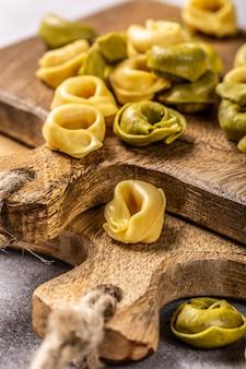 ほうれん草、チーズとリコッタチーズの自家製トルテリーニ