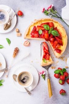 イチゴのチーズケーキフラット
