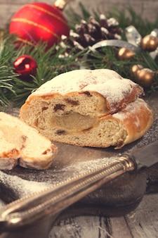 伝統的なクリスマスシュトーレン
