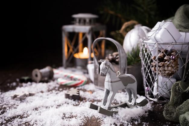 Рождественская композиция с шишкой