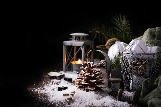 松ぼっくりでクリスマス組成