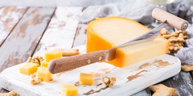 Вкусный сыр гауда