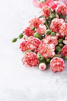 ピンクのカーネーションの花