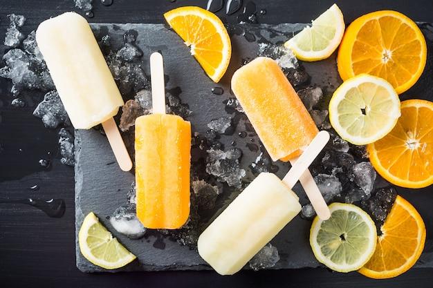 自家製オレンジとレモンのアイスキャンディー