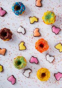 カップケーキの装飾色釉薬。