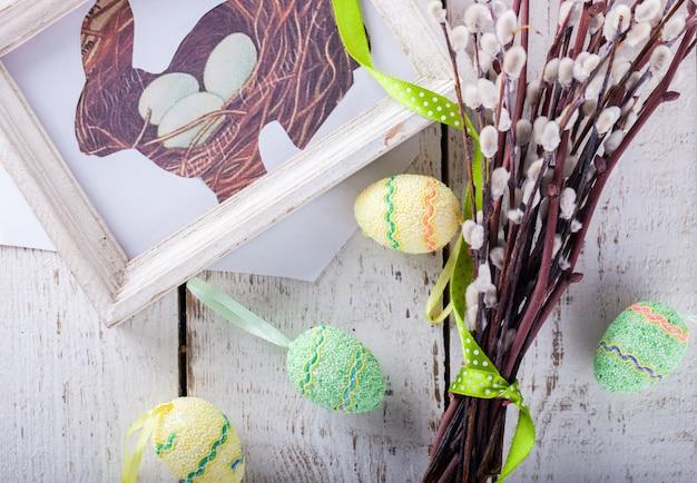 ウズラの卵と柳、うさぎの絵