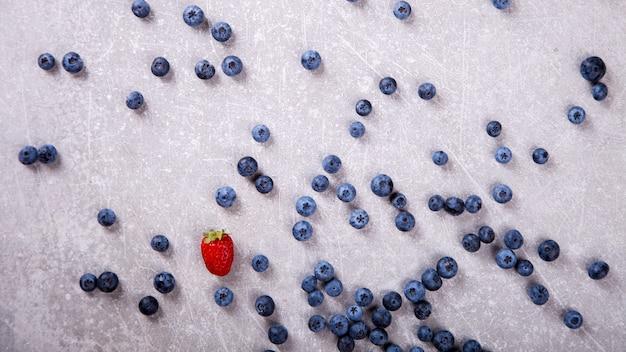 Различные свежие летние ягоды