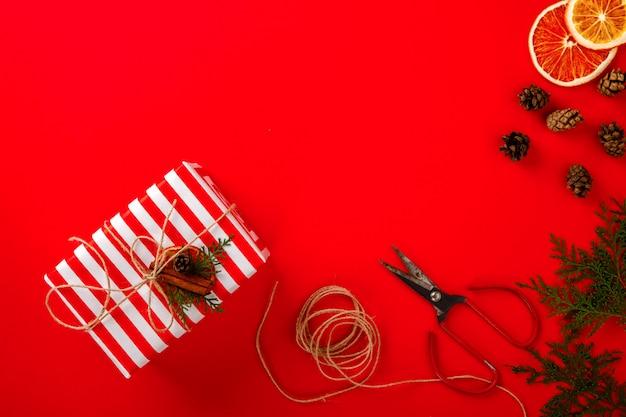 Рождественские коробки подарки