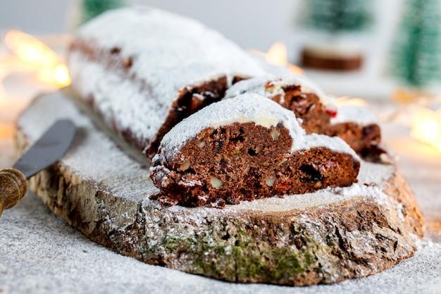クリスマスドレスデンシュトーレンチョコレート
