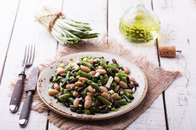 ニンニクと三豆のサラダ。