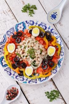 白豆と新鮮野菜のサラダ