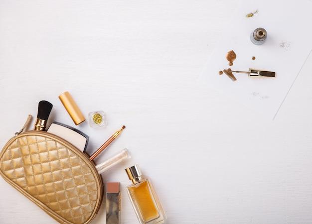 女性用化粧品の背景。