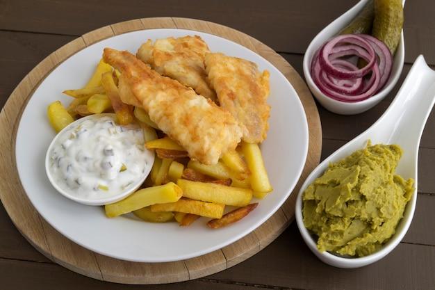 フィッシュアンドチップス伝統的なイギリス料理