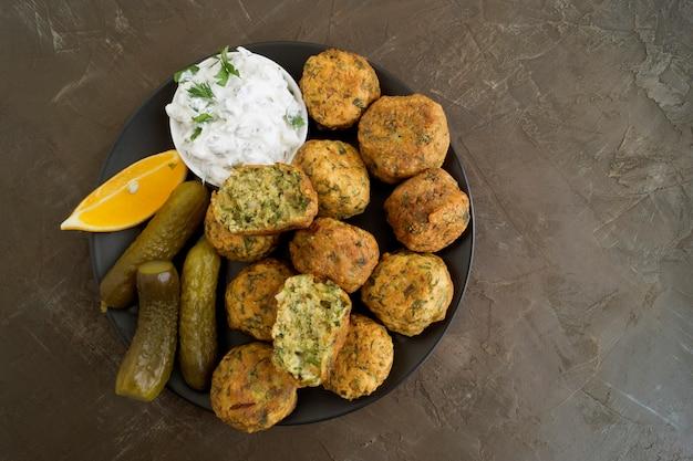 ファラフェル、ひよこ豆の伝統的なイスラエル料理。