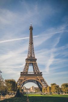 エッフェル塔、パリ、フランスのシンボル。パリのヨーロッパの人気都市