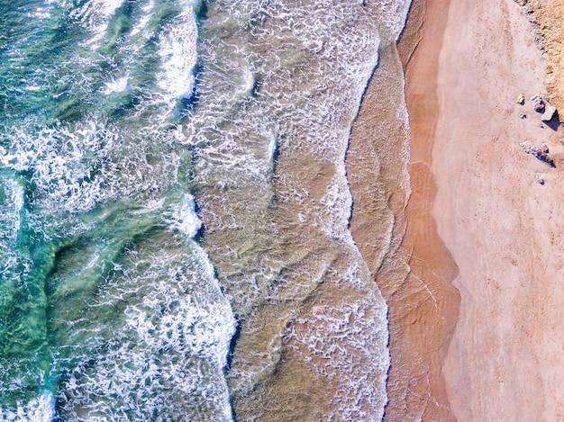 スペイン、コスタブラバの地中海沿岸の空撮
