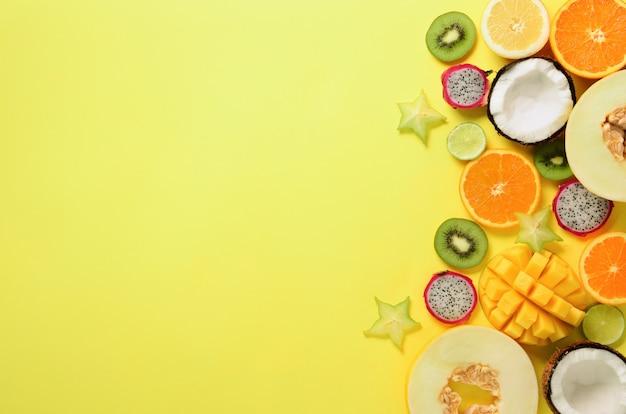 Экзотические фрукты - папайя, манго, ананас, банан, карамбола, драконий фрукт, киви, лимон, апельсин, дыня, кокос, лайм.
