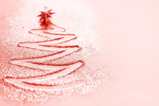 コピースペースとグリーティングカード。クリスマスツリー