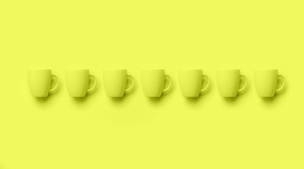 Ряд с чашками