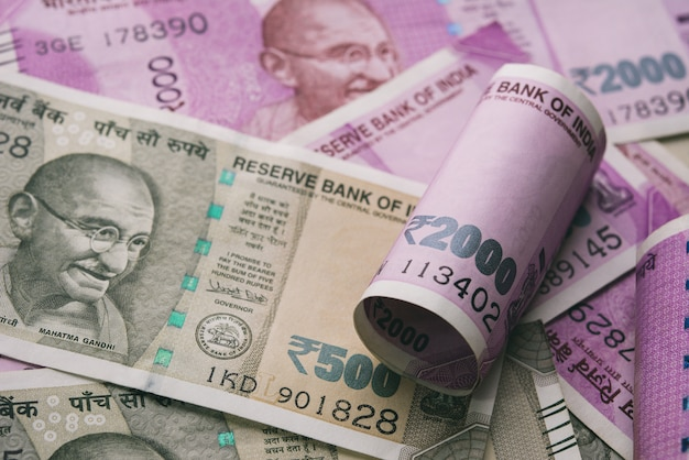 インドルピー紙幣のショットを閉じる