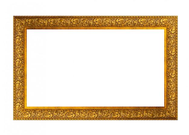Старинная золотая рамка на белом фоне