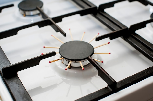 Крупным планом изображение газовой плиты, проблема, нет газа