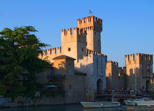 シルミオーネ、イタリアのスカリゲル城