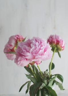 牡丹の花ホワイトホワイト花瓶結婚式のテーマ