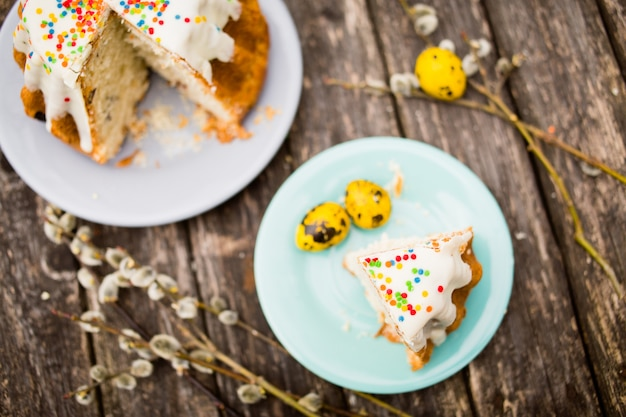 ネコヤナギのブーケとイースターケーキ