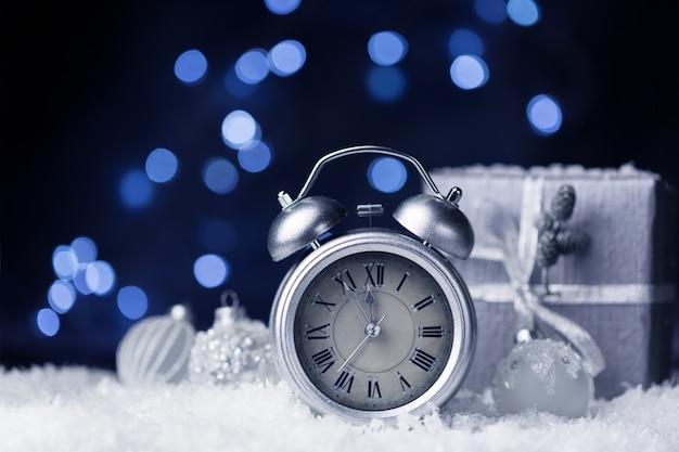 新年のお祝いの青い背景