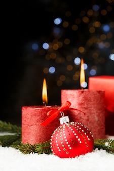 赤い光沢のあるクリスマスの背景