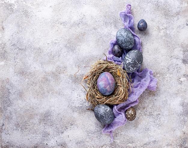 石または大理石の効果を持つイースターエッグ