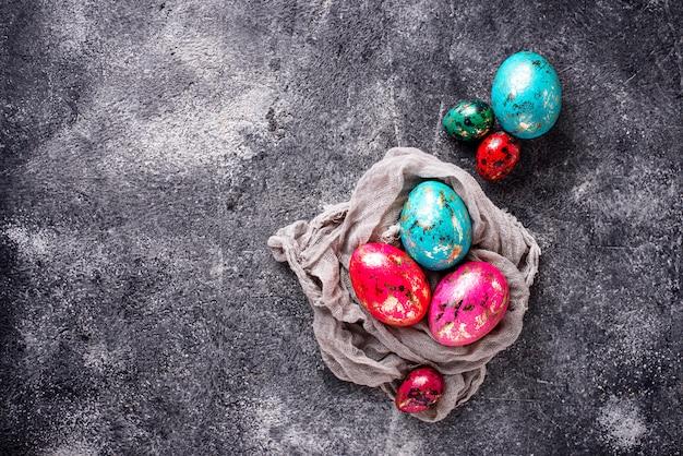 Пасхальные яйца с эффектом камня или мрамора