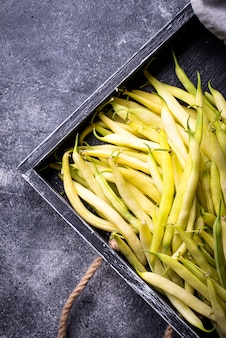 生の新鮮な黄色のワックス豆