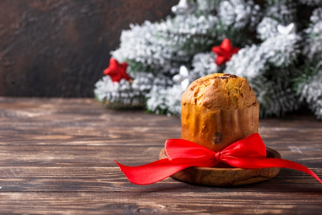 Итальянский традиционный рождественский торт панеттоне