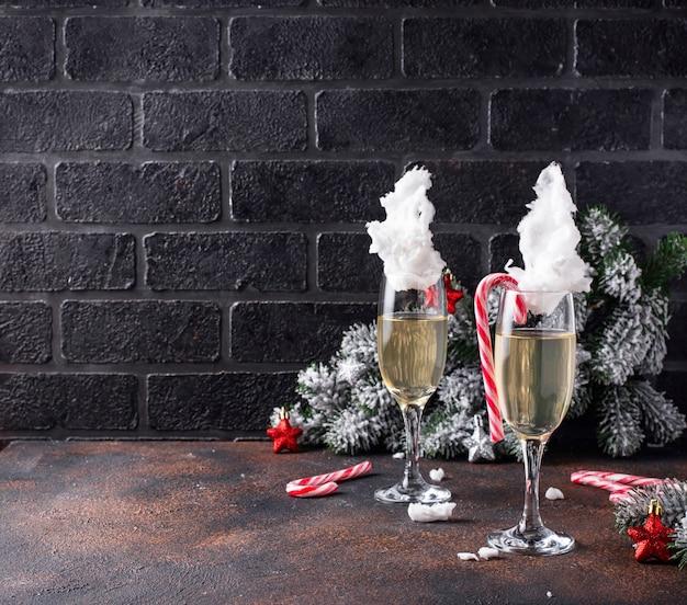 Шампанское или просекко с ватой