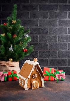 クリスマスの自家製ジンジャーブレッドハウス
