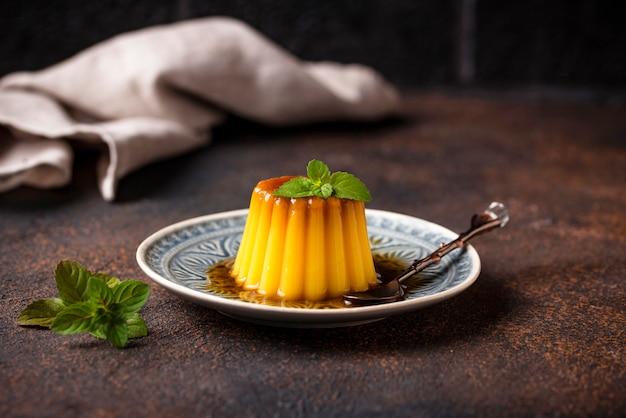 Флан или крем карамельный десерт
