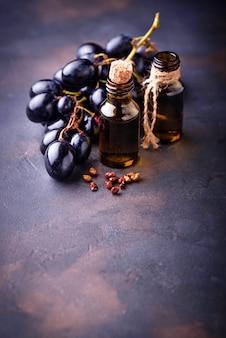 Масло виноградных косточек в бутылочках