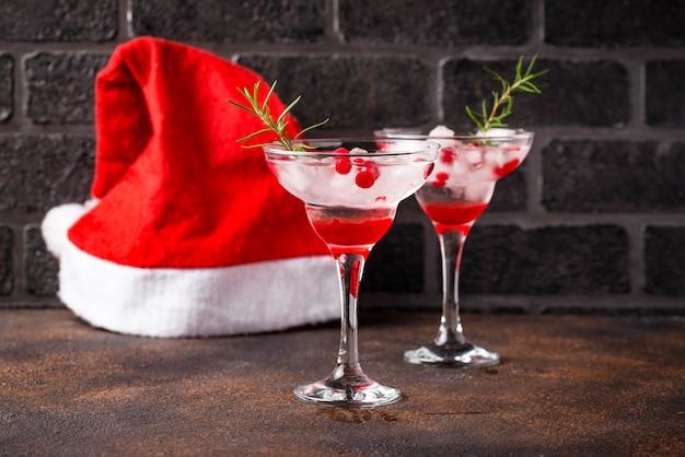 Клюквенный коктейль маргарита. рождественский напиток