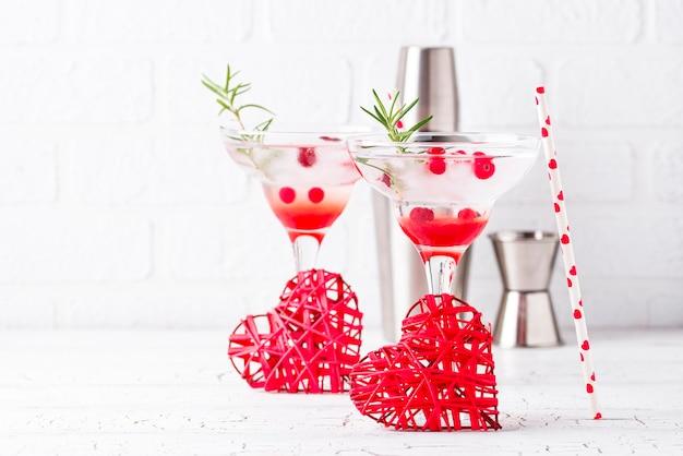 クランベリーマルガリータカクテル。バレンタインデーの飲み物