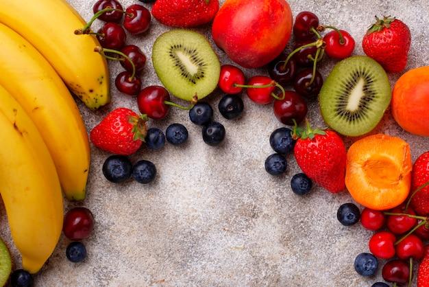 Фрукты и ягоды летний фон