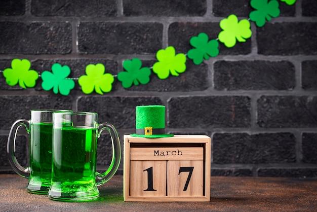 聖パトリックの日のグリーンビール