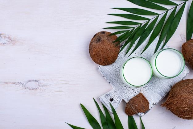 非乳製品の天然ココナッツミルク