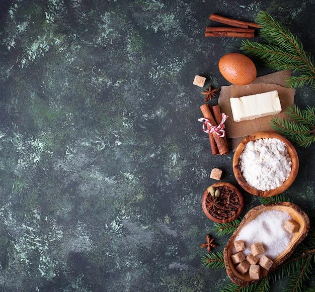 Ингредиенты для выпечки рождественского печенья. вид сверху