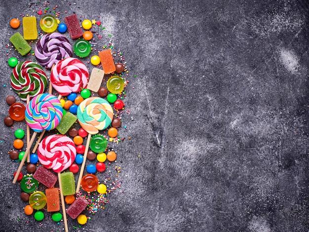 カラフルなキャンディーやキャンディーの品揃え
