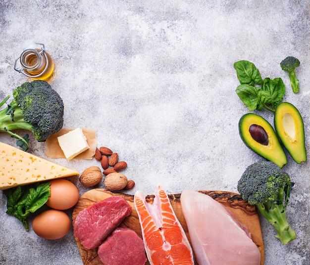健康的な低炭水化物製品。ケトン食