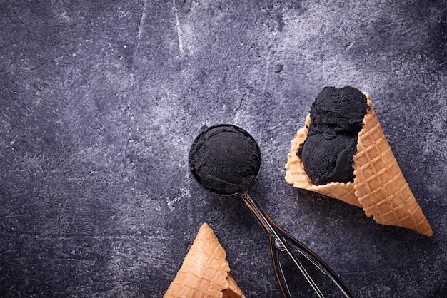 ブラックアイスクリーム流行の食べ物