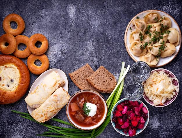 ロシアの伝統料理、お菓子、ウォッカ